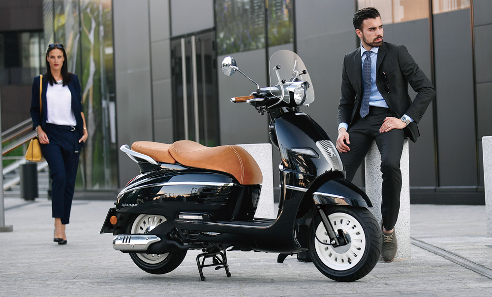 ネオレトロスクーター「プジョー ジャンゴ」の 2021年モデルを発売